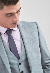 Next - STRETCH TONIC SUIT: JACKET-SLIM FIT - Giacca elegante - light grey - 3