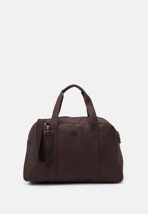 JACCARLO WEEKEND BAG - Taška na víkend - chocolate brown
