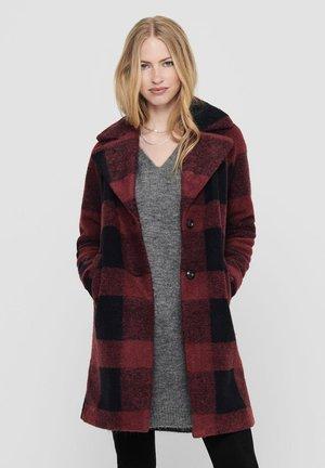 Classic coat - pomegranate
