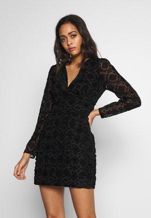 RAVEN MINI DRESS - Cocktailklänning - black