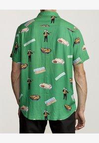 RVCA - HOT FUDGE  - Shirt - vintage green - 1