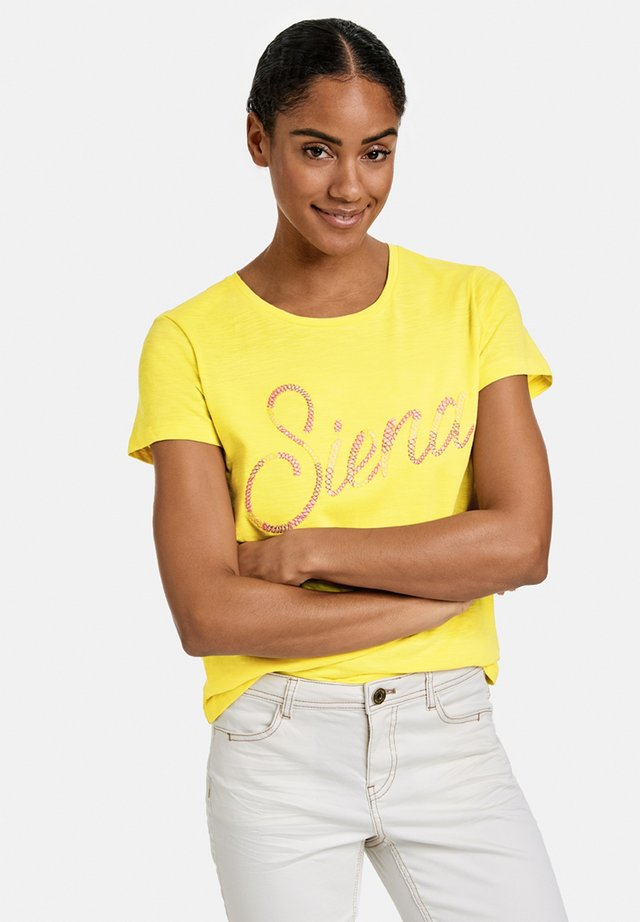 MIT STICKEREI - T-shirt z nadrukiem - summer sun gemustert