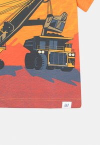 GAP - TODDLER BOY BETTER GRAPHIC - T-shirt con stampa - mango - 2