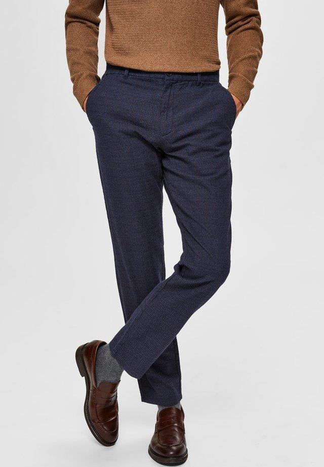 SLHSLIM ARVAL PANTS - Kangashousut - navy blazer/check