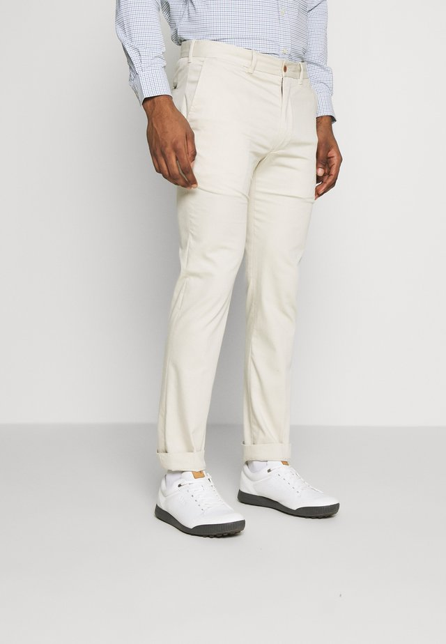 GOLF PANT ATHLETIC - Pantalones - basic sand