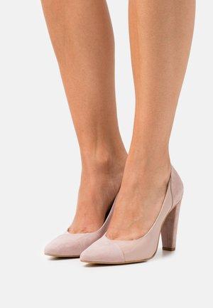 Classic heels - light pink