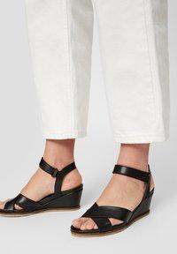 Bianco - SANDALEN LEDER - Wedge sandals - black - 0