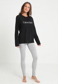 Calvin Klein Underwear - CREW NECK - Maglia del pigiama - black - 1