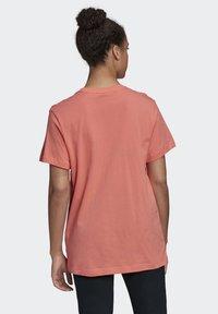 adidas Performance - LOGO T-SHIRT - Print T-shirt - red - 1