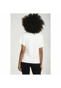 NAF NAF - Basic T-shirt - ecru - 2