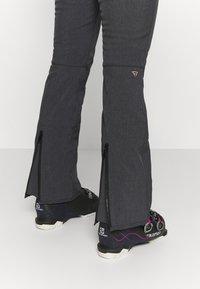 Brunotti - SILVERLAKE MELANGE WOMEN PANT - Ski- & snowboardbukser - black - 3