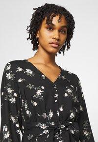 Vero Moda - VMFALLIE TIE DRESS - Skjortekjole - black - 6