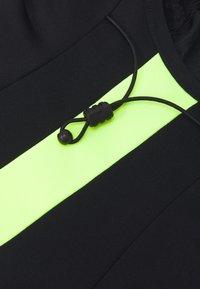 Nike Performance - STRIKE SNOOD UNISEX - Tubhalsduk - black/black/volt - 3