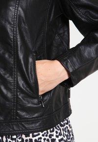 Zizzi - IMITATED JACKET - Faux leather jacket - black - 3