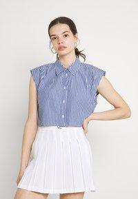 Monki - Button-down blouse - blue - 0