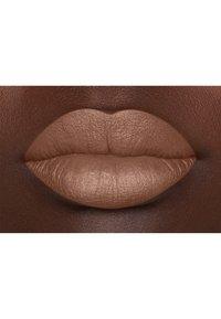 Nyx Professional Makeup - SUEDE MATTE LIPSTICK - Lipstick - 1 fetish - 3