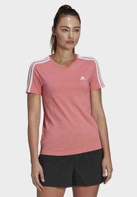 adidas Performance - ESSENTIALS SLIM 3-STRIPES T-SHIRT - Printtipaita - pink - 0