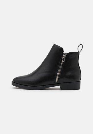 POTINA - Støvletter - black