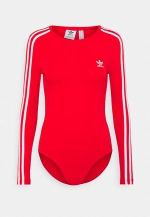 ORIGINALS ADICOLOR BODYWEAR SUIT FITTED - Camiseta de manga larga - red
