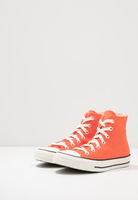 Converse - CHUCK TAYLOR ALL STAR - High-top trainers - bold mandarin/fuel orange/egret - 2
