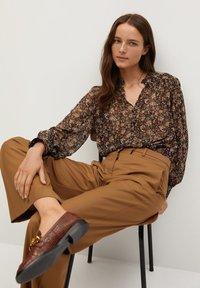 Mango - CHICAGO - Button-down blouse - braun - 5