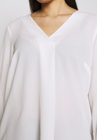 Evans - CROSS FRONT - Blouse - ivory - 5