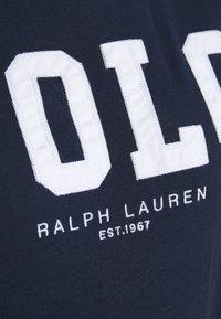 Polo Ralph Lauren - Triko spotiskem - cruise navy - 6