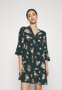 Vero Moda - VMSIMPLY EASY 3/4 WVN G - Day dress - ponderosa pine/sandy ponderosa pine - 0