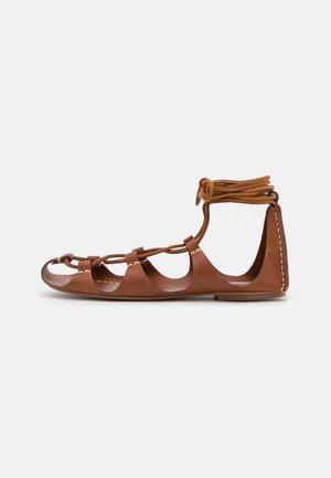 FLAT  - Sandals - cognac/dark brown