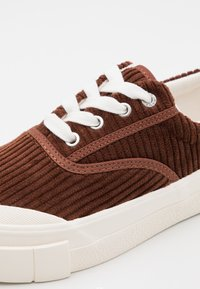 Good News - OPAL UNISEX - Trainers - brown - 5