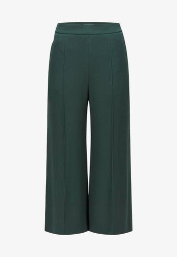 Trousers - open green