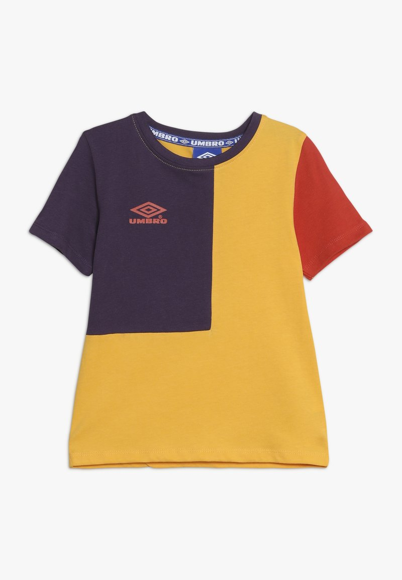 Umbro - TAKEOVER CREW TEE - Camiseta estampada - haze/cosmos/fig