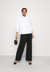 Tory Burch - POPLIN PLEATED - Button-down blouse - white - 1