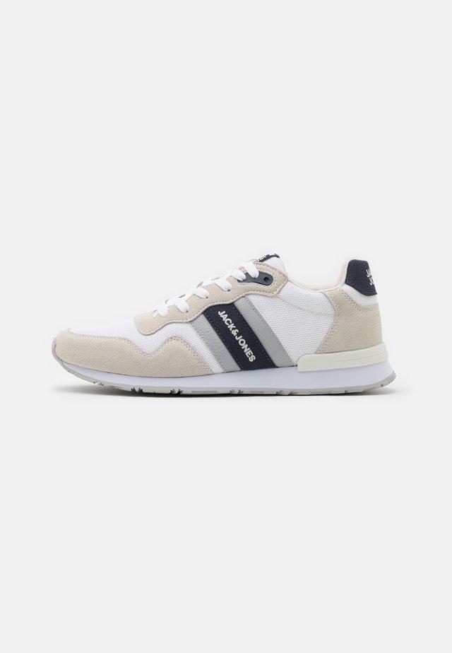 JFWSTELLAR - Sneakers laag - winter white