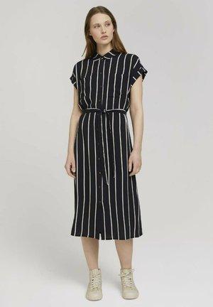 MIT GÜRTEL - Shirt dress - black beige vertical stripe