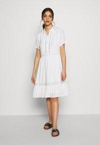 VILA PETITE - VIJESSAS DRESS - Shirt dress - cloud dancer - 1