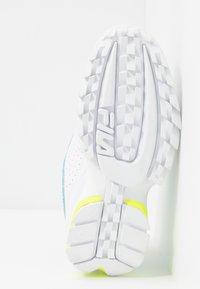 Fila - DISRUPTOR LOGO - Baskets basses - white/black/neon lime - 6