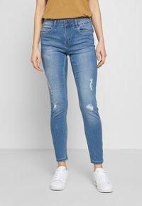 Vero Moda - VMSEVEN SHAPE UP  - Jeans Skinny Fit - light blue denim - 0