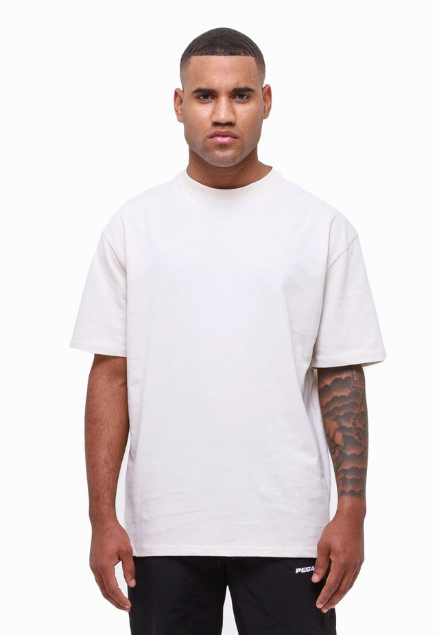 Basic T-shirt - coconut milk