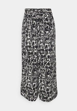QUIANA CULOTTE PANT - Trousers - black