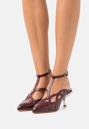 LOIZA - Classic heels - bordeaux/silver