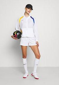 Nike Performance - Chaqueta de entrenamiento - white/university red - 1