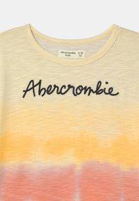 Abercrombie & Fitch - EMBROIDERED LOGO  - Triko spotiskem - multi color - 2