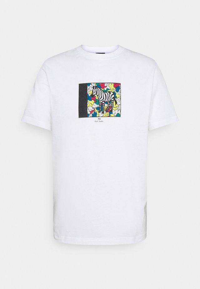 MENS ZEBRA HANDS - T-shirt con stampa - white