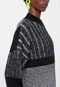 Desigual - JERS_SAVONA - Sweatshirt - black - 3