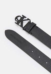 Calvin Klein Jeans - MONO HARDWARE ROUND BUCKLE - Belt - black - 1