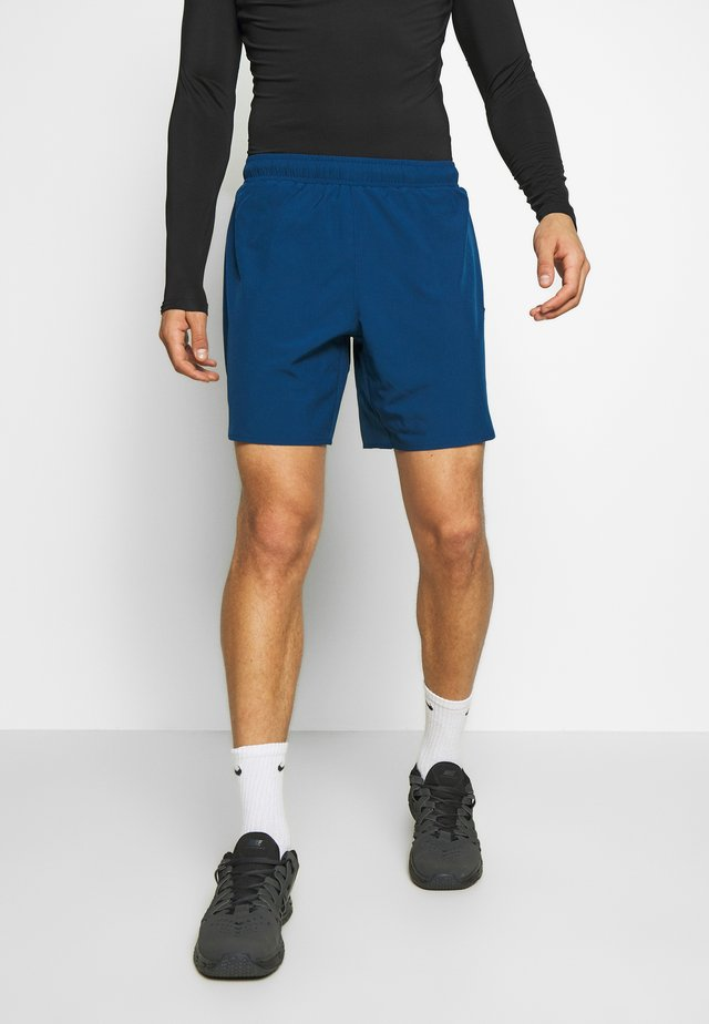 TECH TRAINING SHORTS - Pantaloncini sportivi - deep fjord