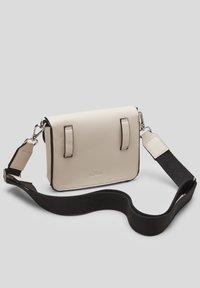 s.Oliver - Bum bag - light grey - 1
