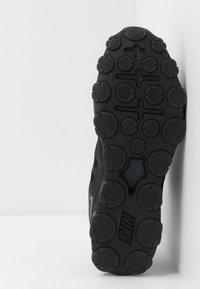 Nike Performance - REAX 8  - Kuntoilukengät - black/anthracite - 4