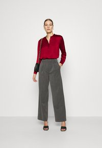 Banana Republic - TUNIC HIGH SLIT - Blouse - mulled cranberry - 1